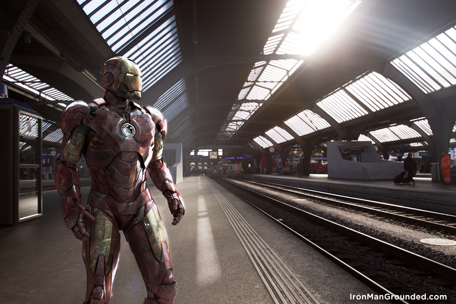 5_iron_man_grounded_zurich_trainstation_raffael_dickreuter