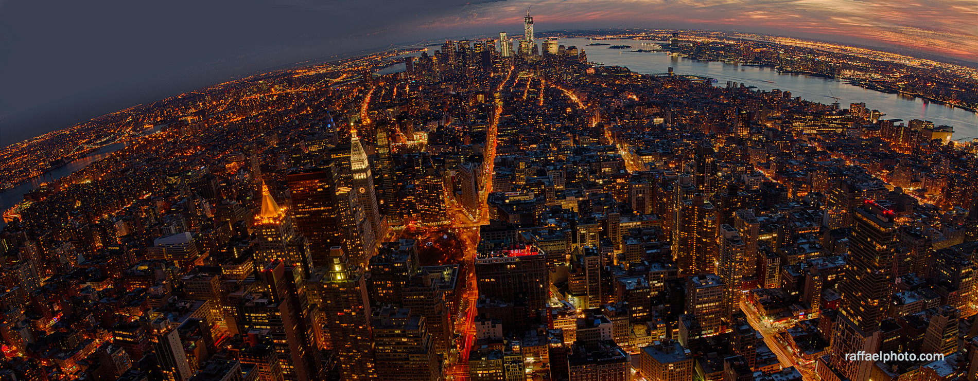new-york-city-at-night-skyline-panorama2